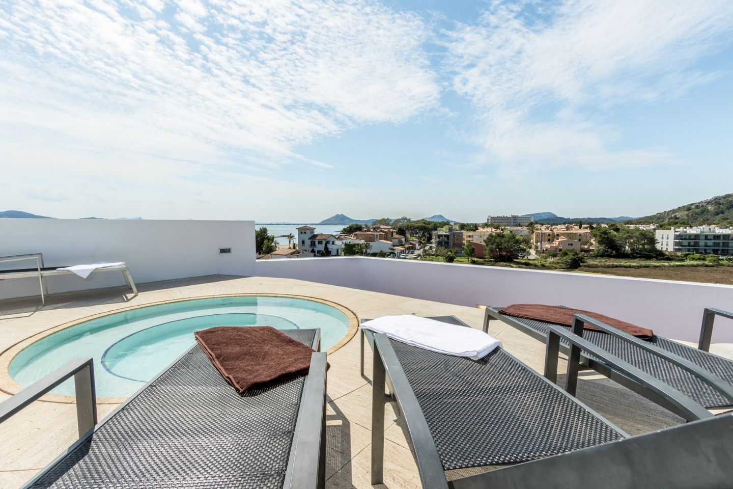 3 Bed Penthouse for sale in PUERTO POLLENSA 8