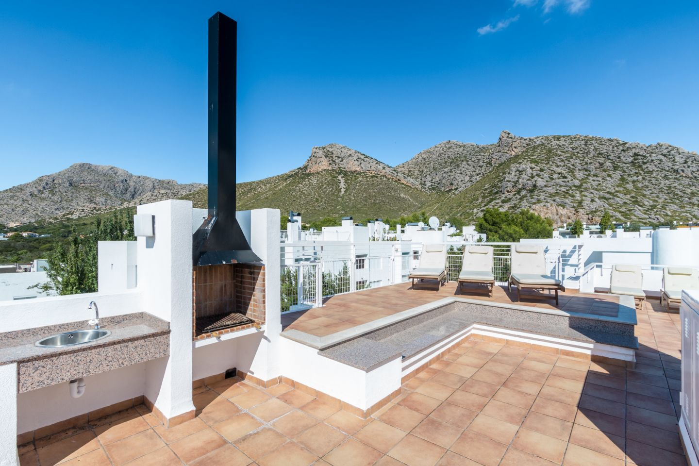 5 Bed Penthouse for sale in PUERTO POLLENSA 9