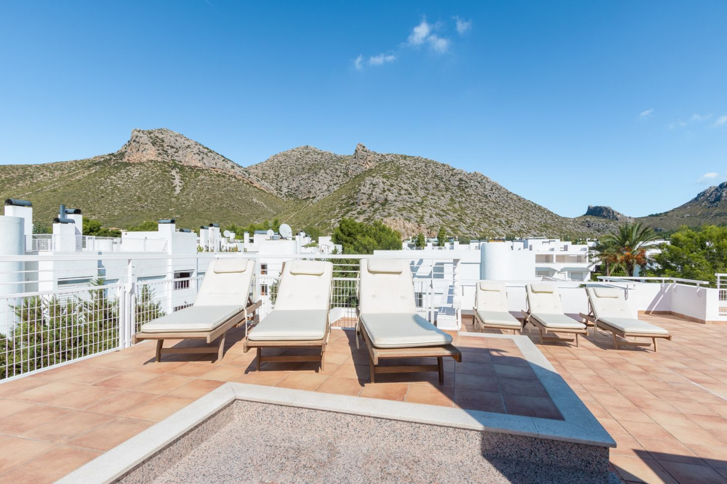 5 Bed Penthouse for sale in PUERTO POLLENSA 1