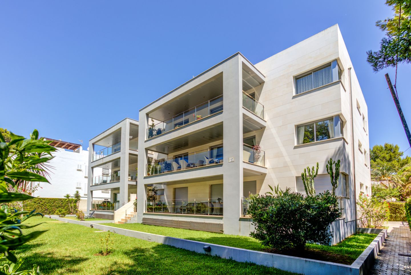 3 Bed Apartment for sale in Puerto Pollensa 15
