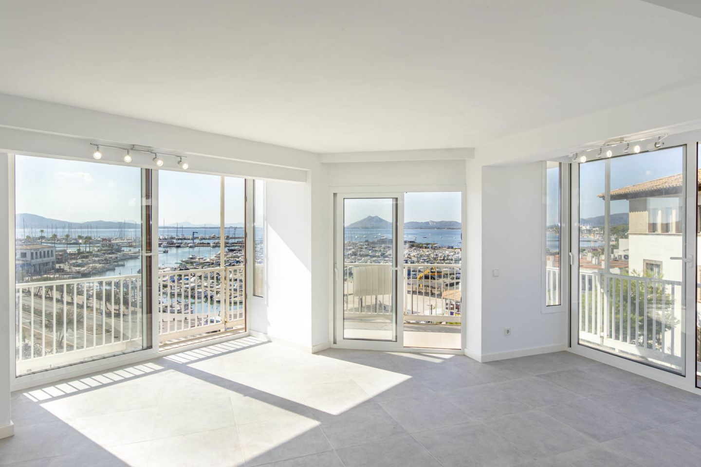 4 Bed Apartment for sale in PUERTO POLLENSA 1