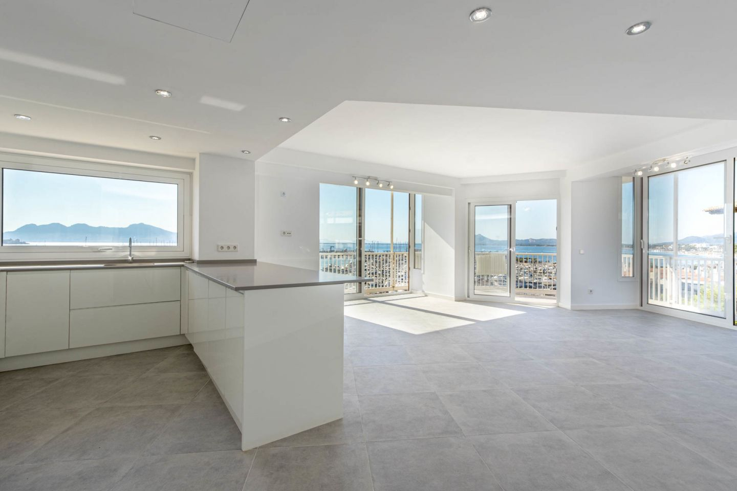 4 Bed Apartment for sale in PUERTO POLLENSA 5