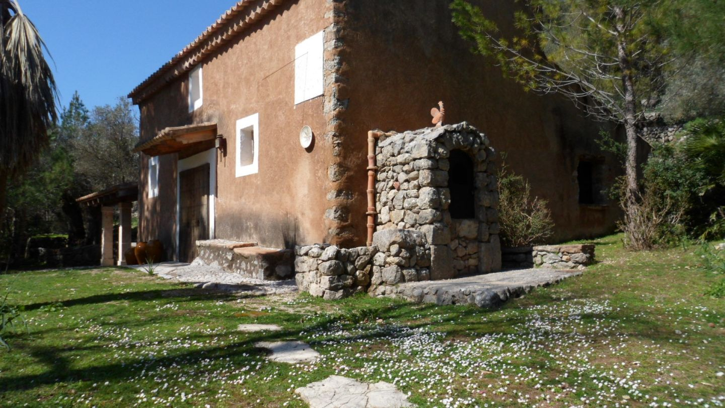 11 Bed Countryside House for sale in ESCORCA 1
