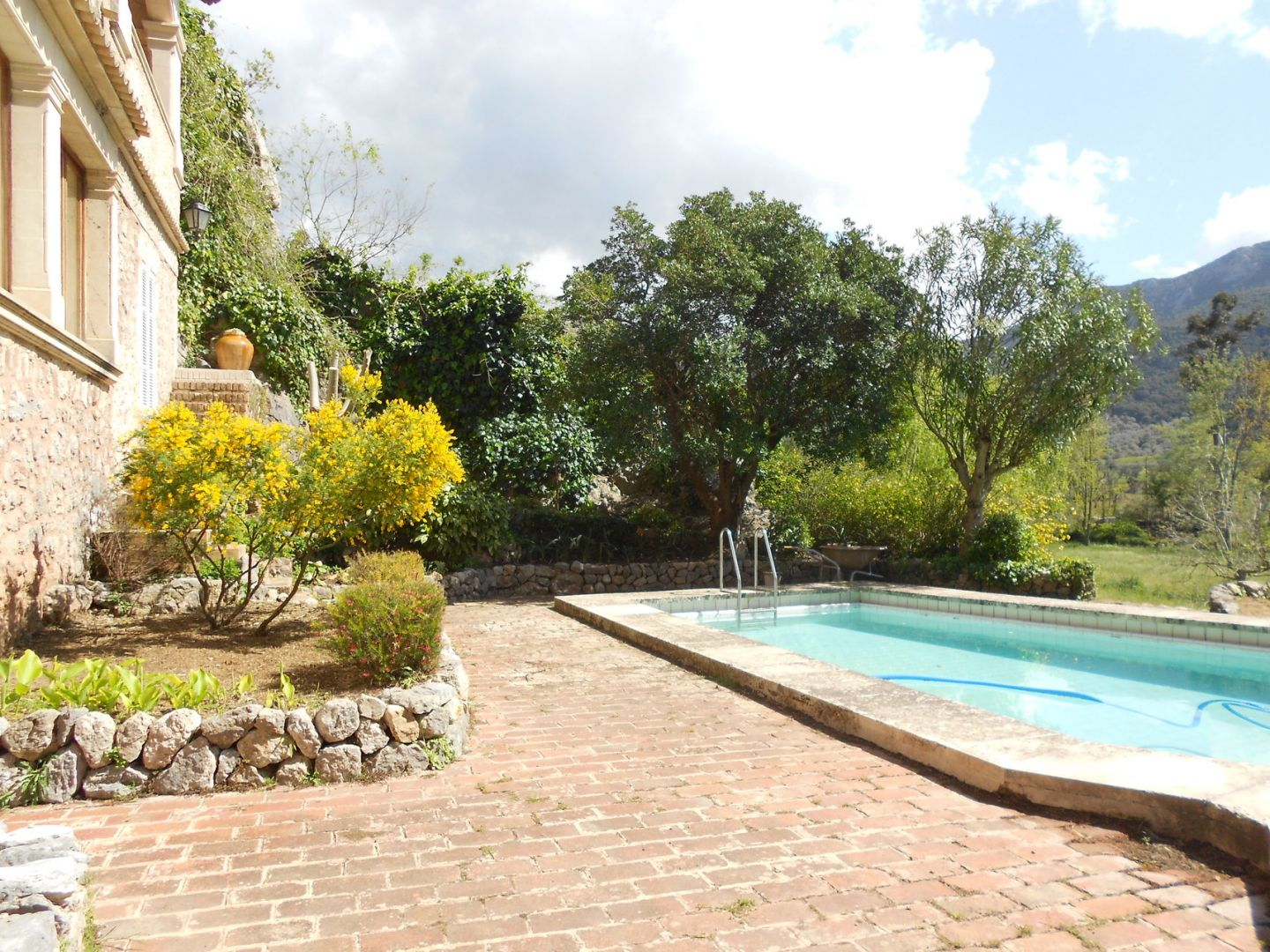 11 Bed Countryside House for sale in ESCORCA 3
