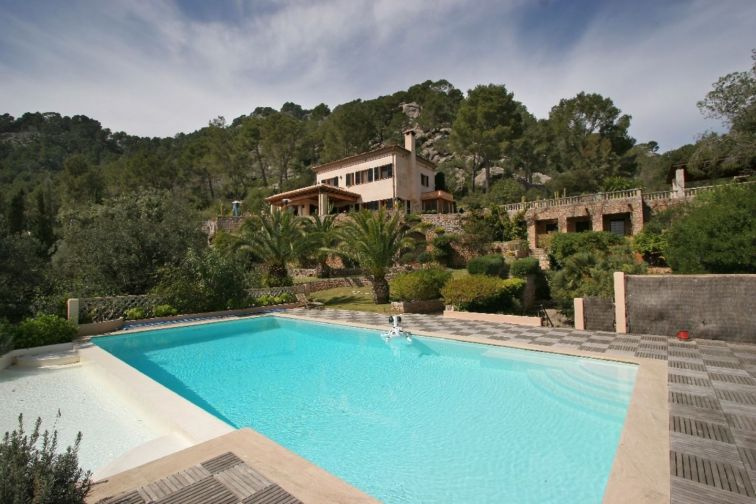 7 Bed Countryside House For Sale in POLLENSA