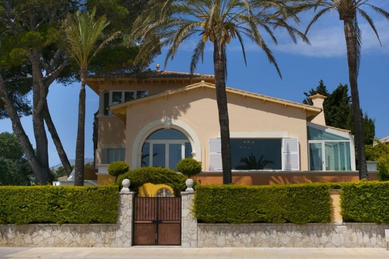 8 Bed Villa For Sale in PUERTO POLLENSA